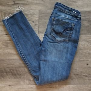 Vanilla Star Distressed Skinny Jeans